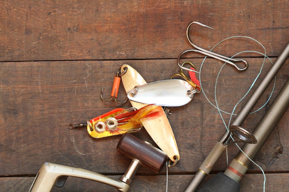 Что можно подарить рыбаку из снастей, оснастки 74